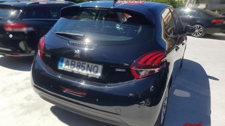 Peugeot 208 1.6 HDI EXCLUSIVE